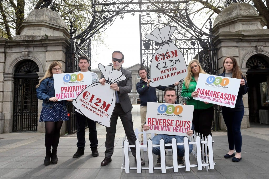Repro Free: Monday 9th May 2016. The Union of Students in Ireland highlight the dangers in the €12 million diversion in Mental Health services. Picture Jason Clarke